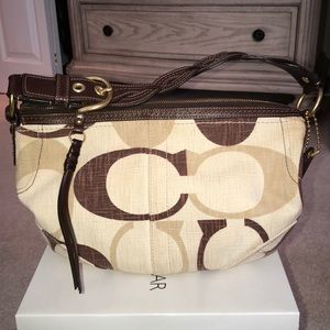 AUTHENTIC like new COACH signature bag.